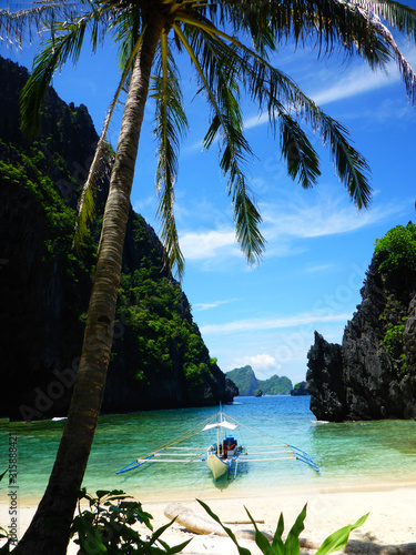 Fotografia paradise in a deserted cove in EL Nido, Palawan, the Philippines