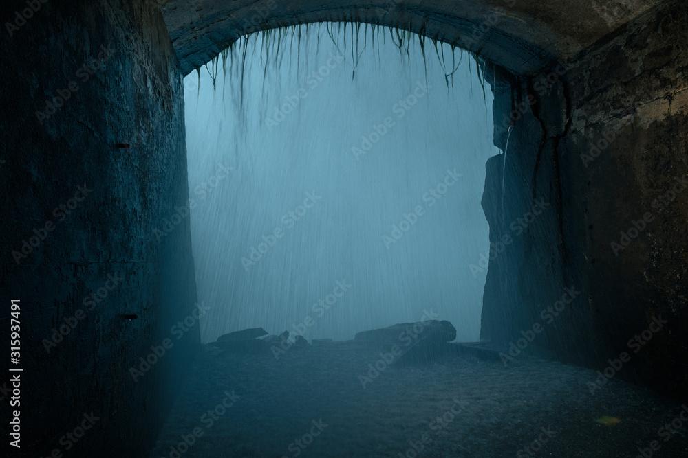 Fototapeta Las cataratas desde una ventana del túnel interior