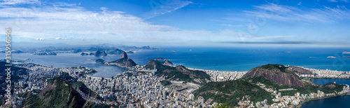 Panorama View of the Rio de Janeiro City, including the Sugar Loaf, seen from the Corcovado Mountain Fototapet