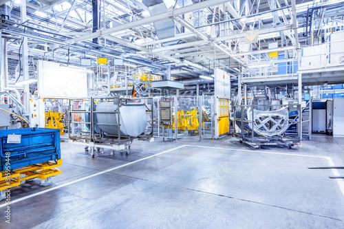 Cuadros en Lienzo spare parts in a car plant