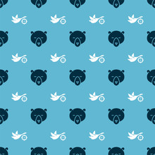 Set Bear Head And Hunt On Duck With Crosshairs On Seamless Pattern. Vector