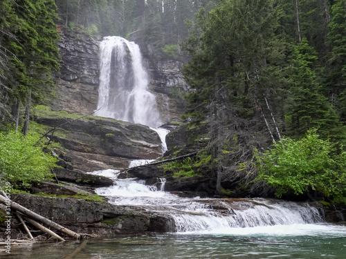 Fényképezés virginia falls at glacier national park in montana