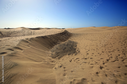 sand, desert, dune, landscape, sky, nature, dunes, dry, blue, travel, hot, summer, beach, sun, sand dune, heat, yellow, sandy, hill, clouds, pattern, arid, park, orange