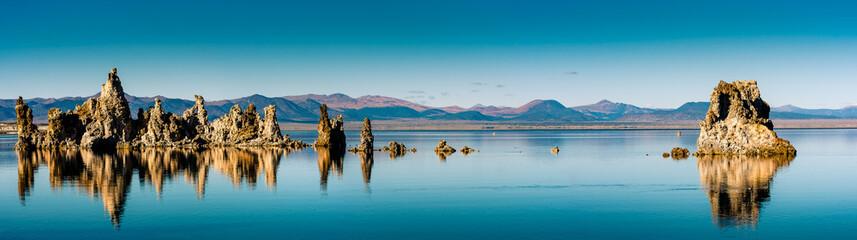 Panorama grandios Spiegelung Mono Lake USA