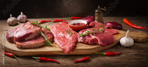 Obraz fresh meat with rosemary and spices - fototapety do salonu