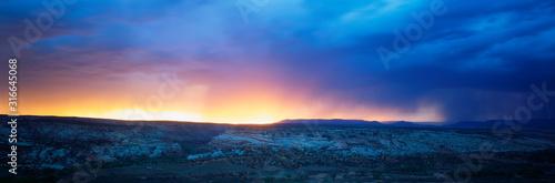 This is sunrise in Southwest Utah. Canvas-taulu