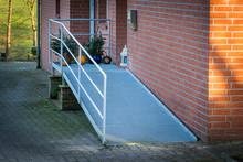 Rollstuhlrampe Am Haus, Eingang
