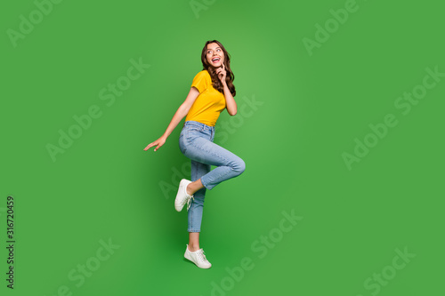 mata magnetyczna Full length body size view of her she nice attractive lovely slim fit thin curious dreamy cheerful cheery wavy-haired girl having fun isolated on bright vivid shine vibrant green color background