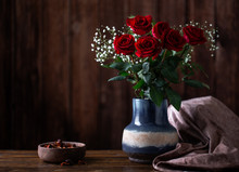 Arrangement Of Red Roses In A ...