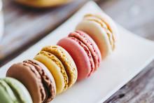 Biscuits Macarons Colorés Aux...