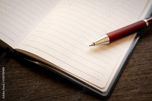 Photo 手帳とボールペン