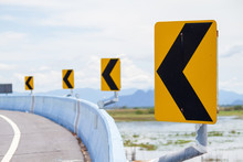 Traffic Sign Curved Left