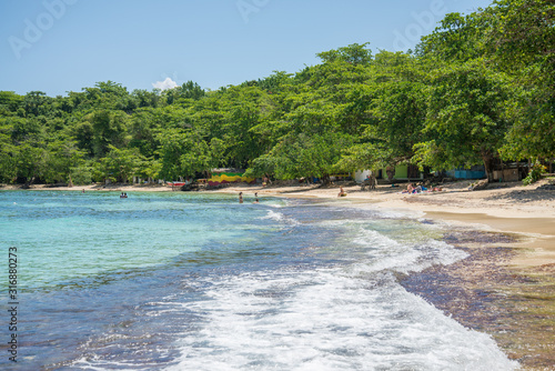 Shore of Winnifred Beach, Jamaica Tableau sur Toile