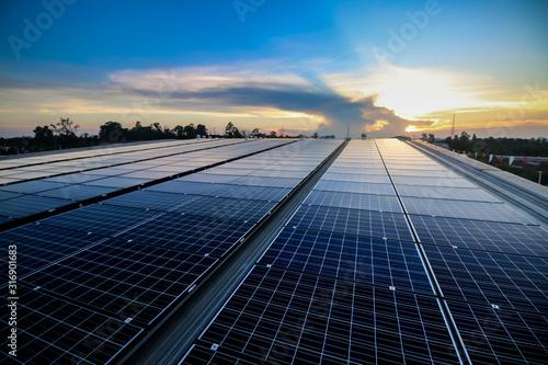 Obraz solar panels install on roof top - fototapety do salonu