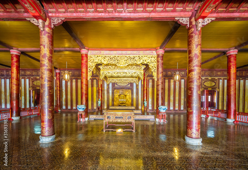 Foto Throne room at Imperial Palace, Hue, Vietnam, Asia