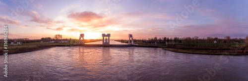 Panoramic view of the Hagestein water lock in the Netherlands Canvas-taulu