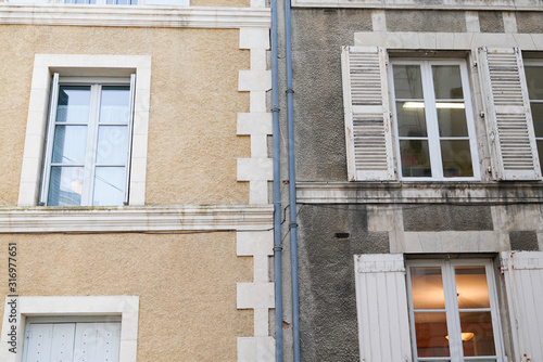 Obraz cleaning washing wall restoration building house before and after pressure water facade exterior - fototapety do salonu