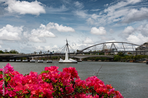 View across the Brisbane river towards Goodwill bridge