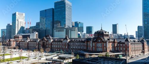 (東京都ー風景パノラマ)東京駅と駅前広場の風景1 Wallpaper Mural