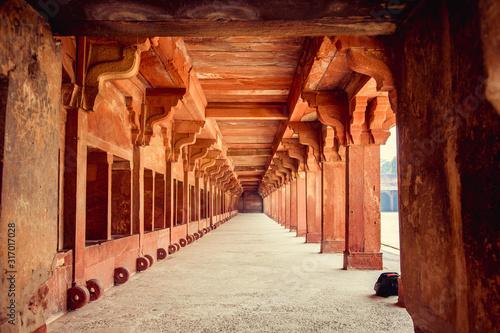Fototapeta arkady   delhi-indie-wnetrze-jama-masjid-stare-miasto-w-delhi-indie-to-jest-glowny-meczet