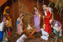 Christmas Nativity Scene Of Jesus Birth,wooden Nativity Scene With Religious Statuettes