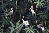 Tropikalny krajobraz noc vintage, ciemne palmy, roślina, ptaki kwiatowy wzór bezszwowe czarne tło. Tapeta egzotycznej dżungli. - 317096265