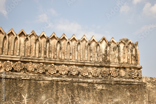 Платно Old Ancient Antique Historical Ruined Architecture of Golconda Fort Walls