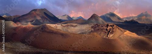 Obraz Vulkanlandschaft Timanfaya Nationalpark, Insel Lanzarote, Kanaren, Spanien, Europa, Panorama - fototapety do salonu