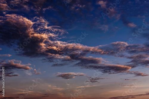 Vászonkép Magnificent altostratus and altocumulus cloud at sunset.