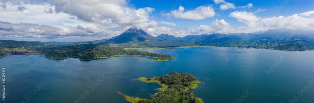 Fototapeta Panoramic view of beautiful Lake Arenal, Costa Rica.