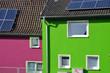 canvas print picture - Violettes und grünes Haus