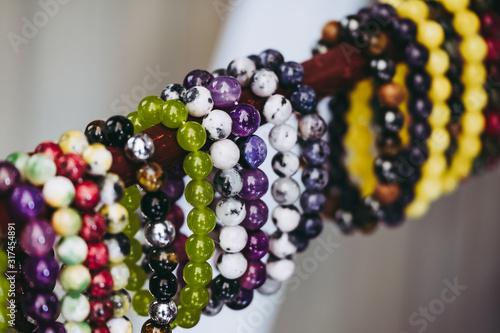 Bracelets colorés avec des pierres de soin naturelles Canvas Print