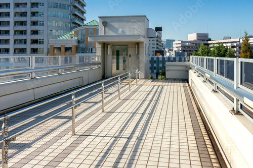 横断歩道橋のエレベーター Fototapet