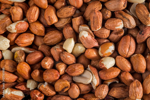 Fényképezés Close-up of pealed peanuts / groundnuts / goobers / monkey nuts without shells a