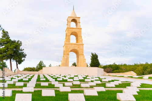 Cuadros en Lienzo This martyrdom was built in the memory of 57th Regiment giving thousands of martyrs and injured in the Canakkale Wars