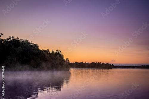 Brume sur le lac èa l'aube Canvas Print