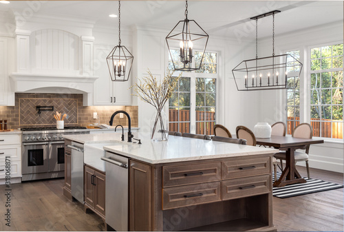 Carta da parati Beautiful kitchen in new traditional style luxury home, with quartz counters, ha