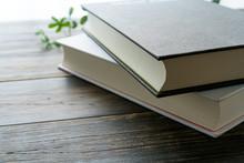 ハードカバーの本