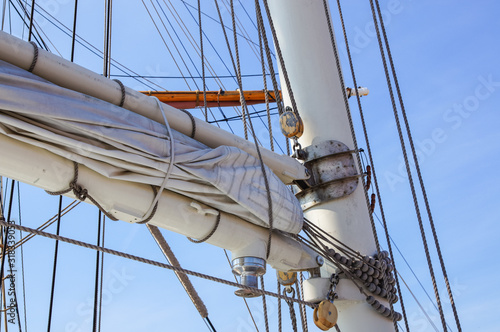 Fototapety, obrazy: middle part of the mast of tall ship