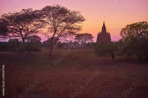 Photo Dark evening in Bagan, Myanmar
