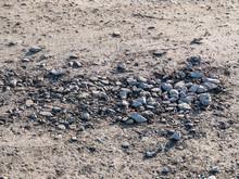 Schlaglöcher Ausbessern Durch Auffüllen Von Schottersteinen
