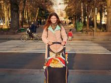 Pretty Woman Walking In City P...