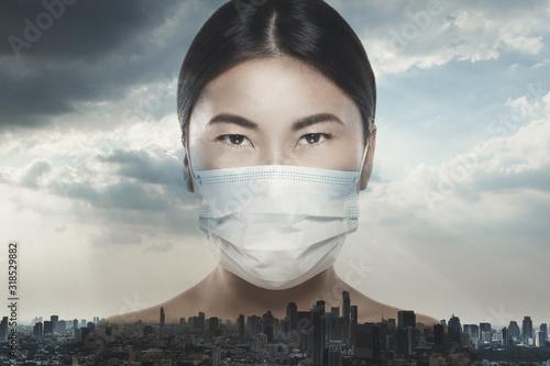 Fotomural Asian woman is wearing facial mask during virus epidemic