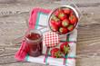 canvas print picture - Erdbeermarmelade einmachen
