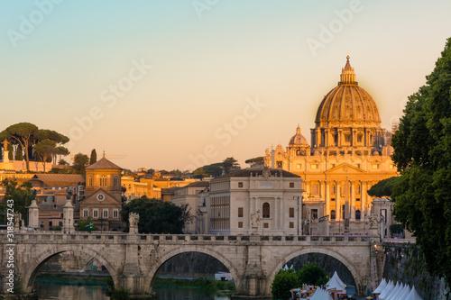 Papel de parede St Peter Basilica By Bridge Over River