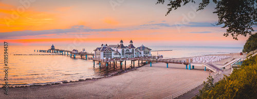 Leinwand Poster Sellin Pier at sunrise, Baltic Sea, Germany