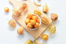 Natural Cape Gooseberry On Woo...