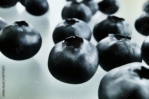 Obraz na plátně Close-Up Of Blueberries