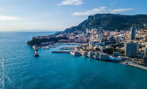 Fotografia, Obraz HIGH ANGLE VIEW OF CITY AT WATERFRONT