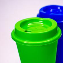Vasos De Color Verde Y Azul